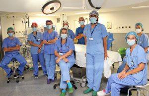 equipo-medico-clinico-san-carlos-extirpan-pancreas-recien-nacida-laparoscopia